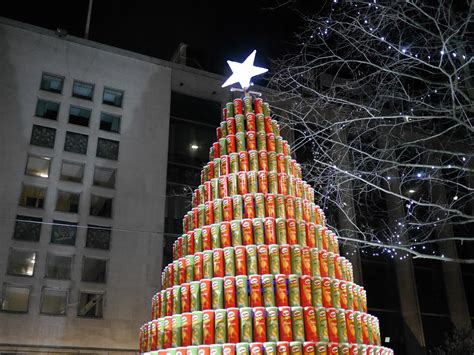 file pringles chistmas tree jpg wikimedia commons