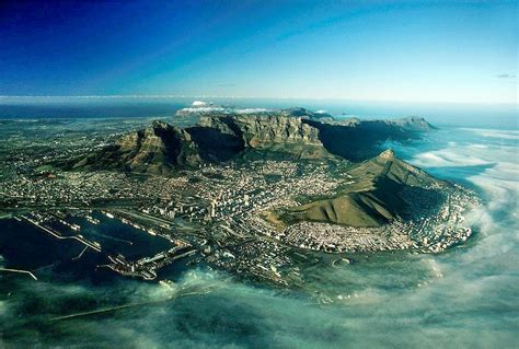 cape town this photo shows what cape town looks like today versus 1970