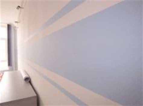 Weißer Streifen Zwischen Wand Und Decke by Dekoration W 228 Nde And Orange On
