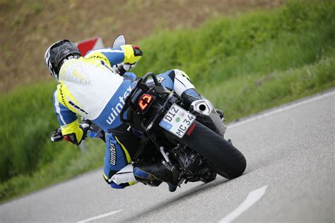 Metzeler Motorrad by Metzeler Roadtec 01 Test 2016 Motorrad Fotos Motorrad Bilder