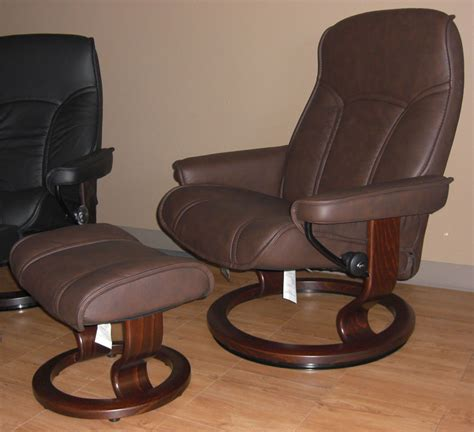 Gouverneur Ottoman by Stressless Governor Chocolate Leather Recliner