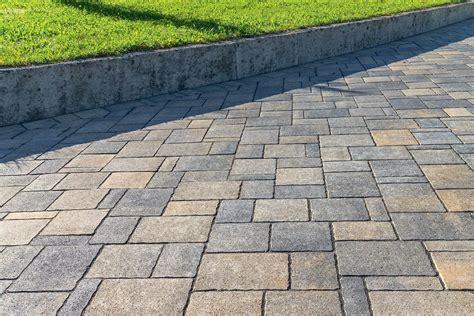 pavimenti per cortili esterni pavimentazioni da esterni in masselli autobloccanti