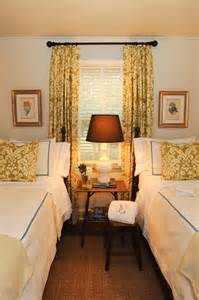 Small Guest Bedroom Furniture Beds In Small Guest Room With Matching Curtains And
