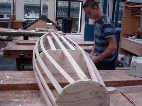 zelf roeiboot bouwen 16 09 2009 bouw je eigen kano youtube