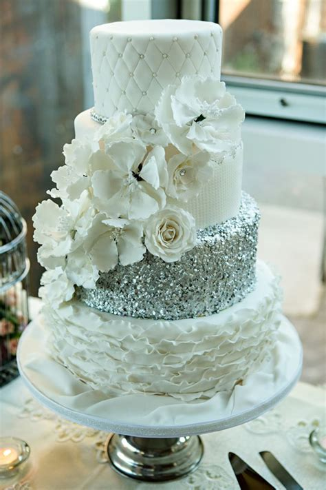hochzeitstorte glitzer 24 fab glittery and sparkling wedding cake ideas for 2016
