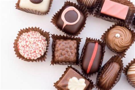 togliere tappezzeria come rimuovere le macchie di cioccolato da tappezzeria