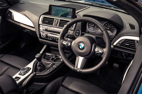 Bmw 2 Interior by Bmw 120i Convertible Interior Www Pixshark Images Galleries With A Bite