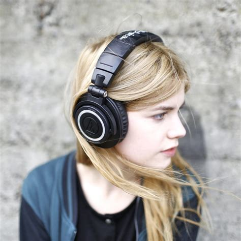 awesome noise cancelling headsets  college students