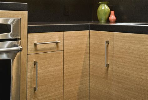 rift cut oak kitchen cabinets what wood is your kitchen cabinet