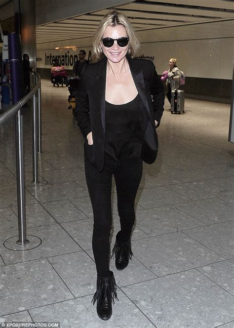 Make Like Kate Moss With A Paparazzi Playset by Kate Moss Slips Into A Chic All Black Ensemble As She