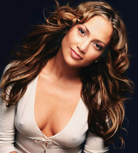 celebheights just celebrity do you think jennifer lopez looks sexier and more