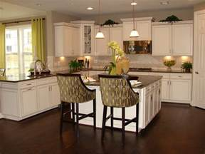 Kitchen With White Cabinets Timeless Kitchen Idea Antique White Kitchen Cabinets