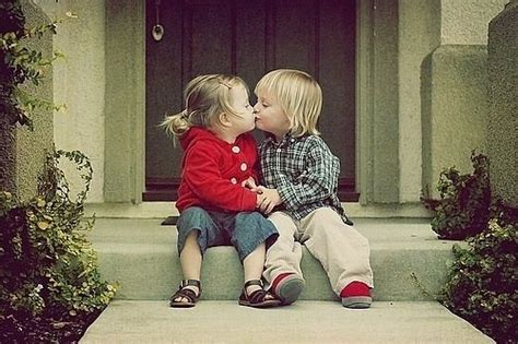 couple gm wallpaper pictures little kids kissing free download cute babies