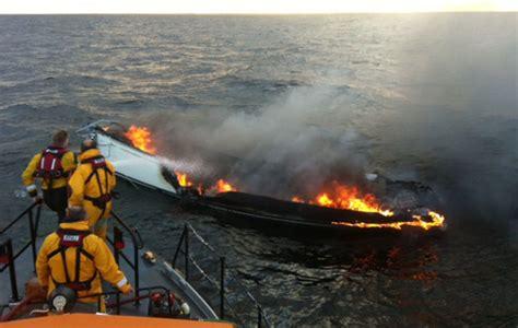 crash test boat crash test boat fire