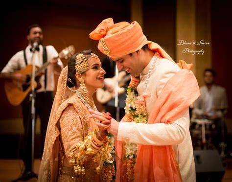 20 Best Candid Wedding Photographers in Delhi   A Must