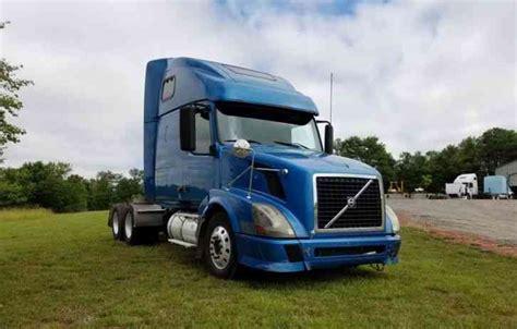 2006 volvo truck tractor peterbilt 2009 sleeper semi trucks