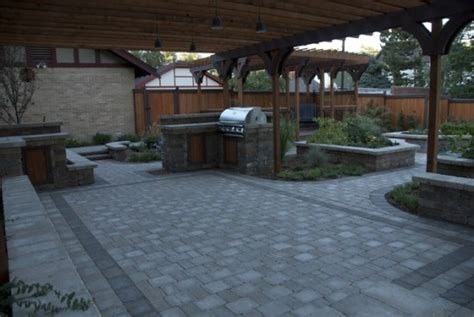 Paved Backyard Ideas by Paver Patio Designs With Fireplace Home Citizen