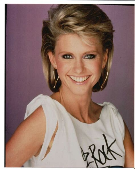 olivia newton john hairstyles pictures 17 best images about olivia newton john on pinterest