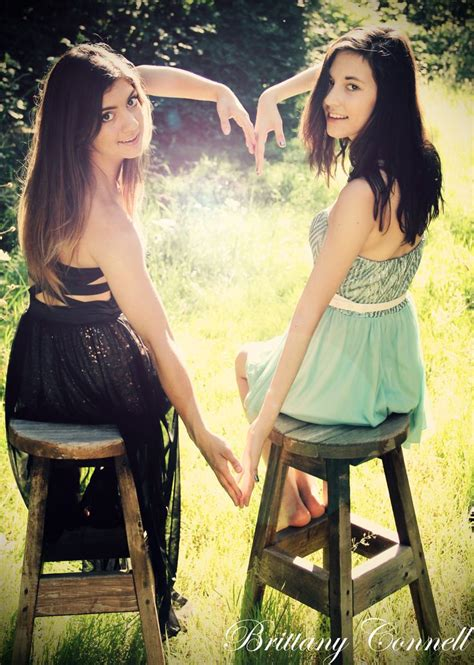 best photo gallery for posing idea for a best friend photoshoot