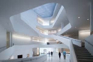 difference between foyer and lobby the innovation cus building better ideas the new