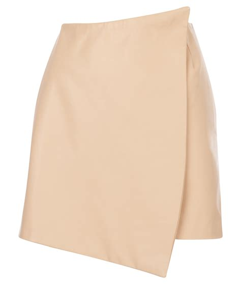 the leather envelope skirt a la mode