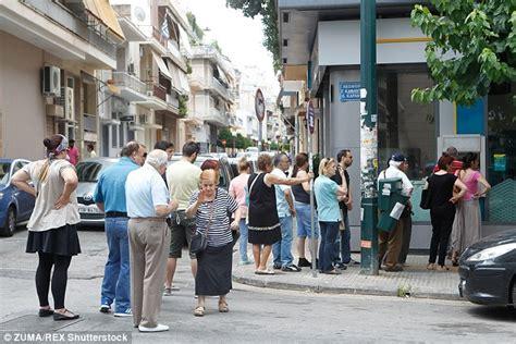 Panci Rosh Royal crisis threatens uk in financial crisis
