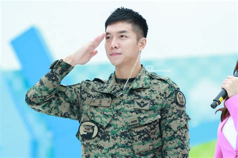 lee seung gi 10 pictures of lee seung gi s army transformation koreaboo