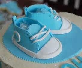 kuchen schuhe marzipan baby converse cake