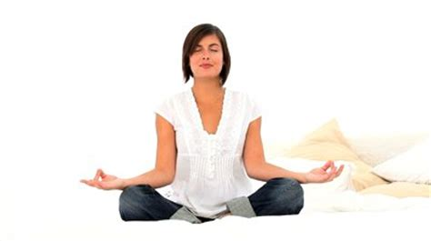imagenes yoga mujer yoga para la mujer una opci 243 n saludable