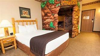 great wolf rooms niagara falls resorts family suites in canada