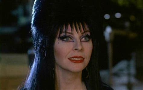 Eyeliner Casandra 25 best ideas about elvira costume on morticia morticia