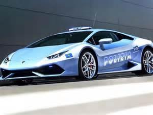 Lamborghini Huracan Polizia Lamborghini Hurac 225 N Tra Le Auto Della Polizia Caraffinity It