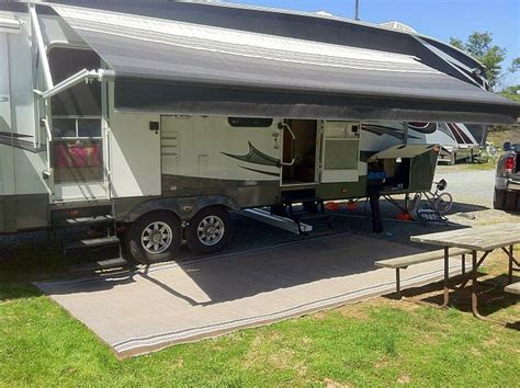 best motorhome awning choosing the best rv retractable awning rvshare com