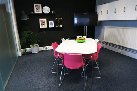 rent desk space in the froggbox leapfrogg