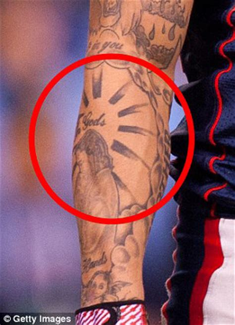 aaron hernandez tattoos aaron hernandez s new tattoos confirm his guilt