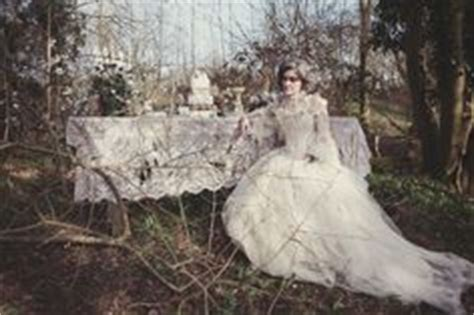 gothic themes in great expectations halloween on pinterest 34 images on halloween table