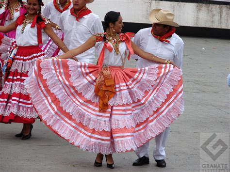 what clothes do venezuelans wear on christmas from the coast of the tehuantepec isthmus wear embroidered blouses and lacy skirts