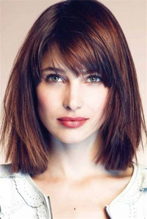 Hairstyles With Bangs by Best 25 Medium Haircuts With Bangs Ideas On