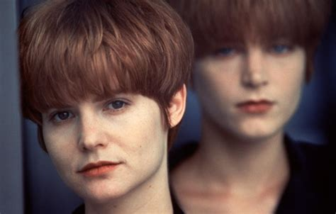 jennifer jason leigh joven the many faces of jennifer jason leigh