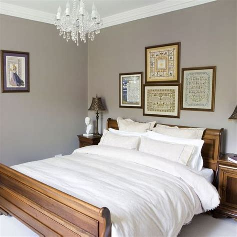sleigh bed inspirations   cozy modern bedroom