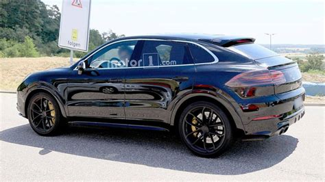 2020 porsche cayenne model 2020 porsche cayenne coupe photo motor1 photos