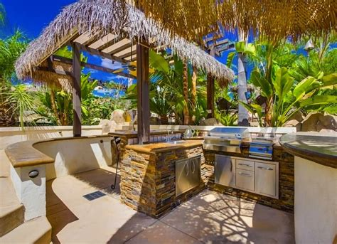 Win A Backyard Makeover Tropical Outdoor Kitchen Outdoor Kitchen Ideas 10