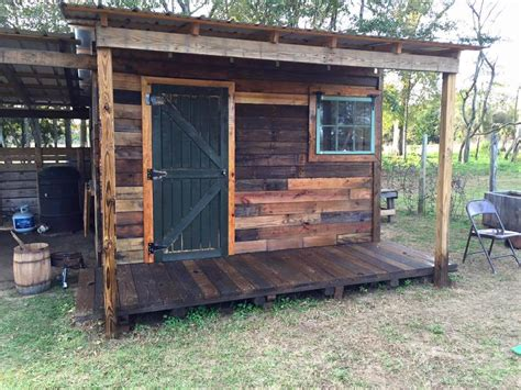How To Make A Shed From Wood Pallets by Diy Pallet Shed Pallet Outdoor Cabin Plans 99 Pallets