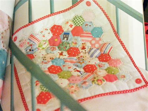 Patchwork Org - pretty patchwork quilts by helen philipps book addicts