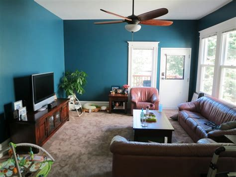 teal accent wall living room accents pinterest living room wall colors best ideas on interior color