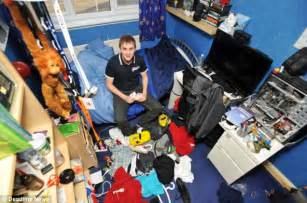 Hefinds Friday Clean Up by Nagged By To Clean His Room Finds 163 50 000