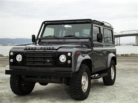 old land rover discovery this company decks out classic land rovers with modern