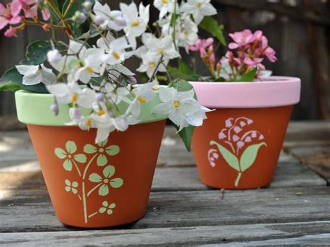 paint projects on pinterest painted flower pots painting clay flower pots wall paint crafting stuff
