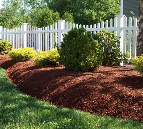 Best Mulch For Garden by Why You Need Great Garden Mulch Oakford Firewood Mulch