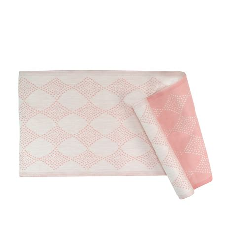 coral table runner lapuan kankurit timantti coral table runner